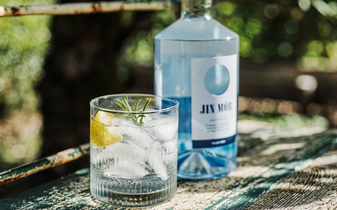 Enillwch botel o Jin Môr!